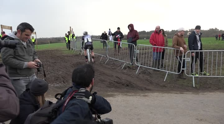Thumbnail Cyclo-cross de Lanarvily : la réaction du junior Antoine Huby