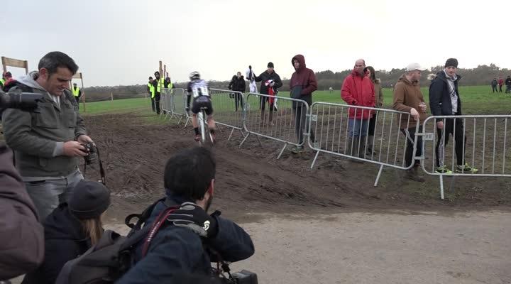 Thumbnail Cyclo-cross de Lanarvily : la réaction du junior Antoine Huby