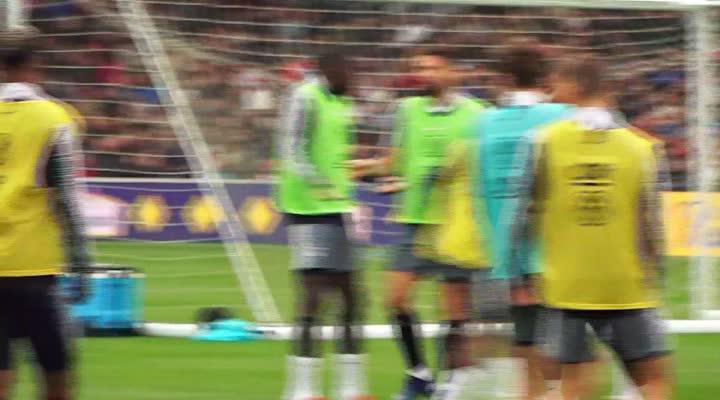 Thumbnail Les Bleus s'entraînent avant leur match face à l'Islande à Guingamp