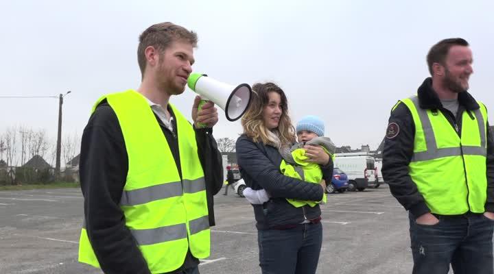 Thumbnail Gilets Jaunes de quimper : opération escargot ce vendredi pour rappeler la présence du mouvement sur les routes samedi