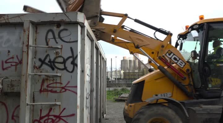 Thumbnail Nettoyage du camp des gilets jaunes à Brest
