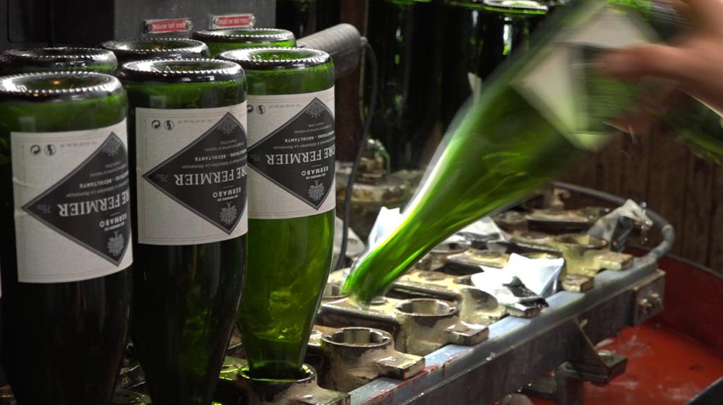 Thumbnail Bouteilles de verre : la consigne pour tradition
