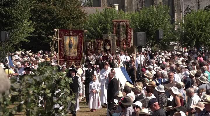 Thumbnail Le Pardon du Folgoët, une tradition encore ancrée