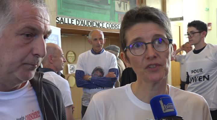 Thumbnail Les parents d'Owen à la sortie du procès de l'automobiliste qui a tué leur fils