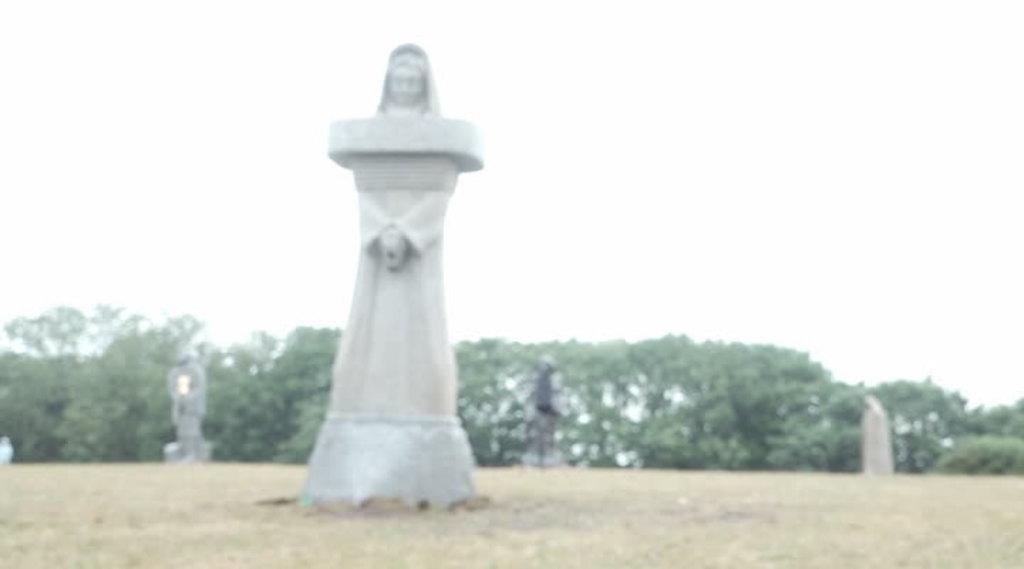 Thumbnail 100è statue pour la Vallée des Saints