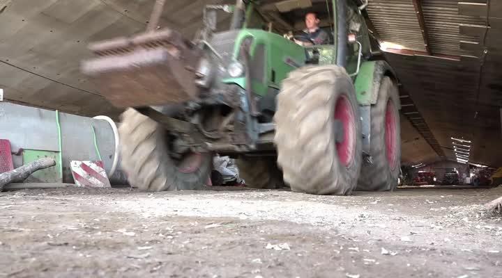 Thumbnail Augmentation du prix du carburant : agriculteurs et routiers cherchent des solutions !