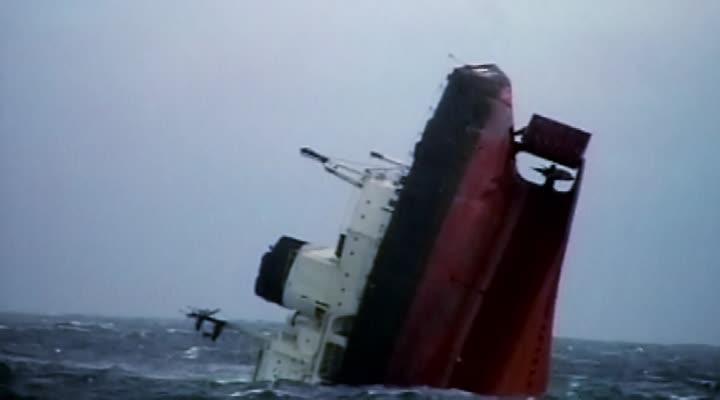 Thumbnail Erika : il a pris la dernière photographie du bateau