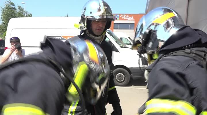 Thumbnail En immersion avec les pompiers pendant un entraînement !
