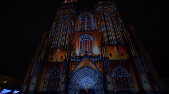 Thumbnail La cathédrale de Quimper illuminée