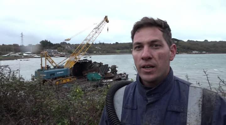 Thumbnail Epaves abandonnées sur le littoral : l'Etat n'en veut plus !