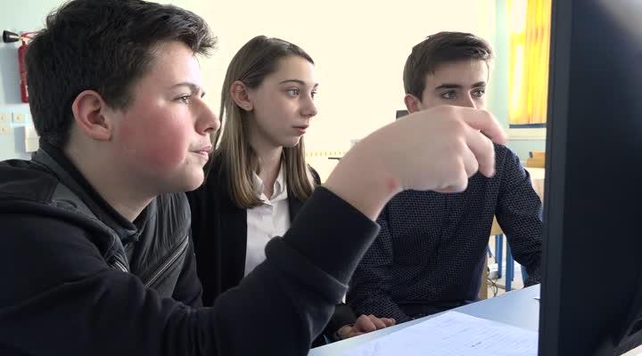 Thumbnail Une mini entreprise créée par des élèves du collège Saint-Joseph du Guilvinec