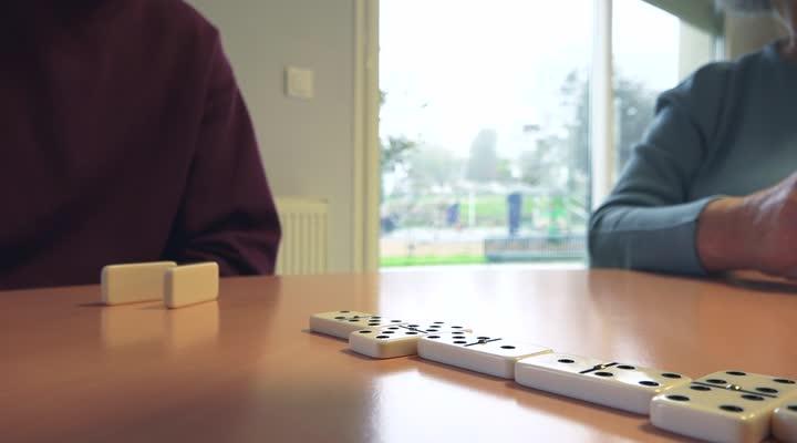 Thumbnail Une colocation étudiante dans une maison de retraite