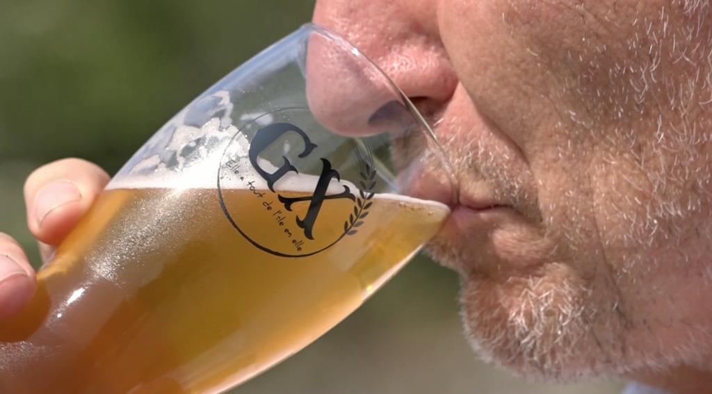 Thumbnail Une bière 100% groisillonne