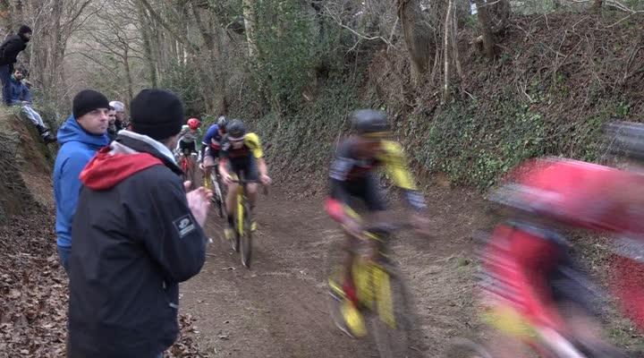 Thumbnail Cyclocross de Lanarvily : victoire d'Arnold Jeannesson