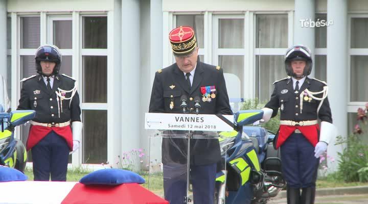 Thumbnail Les honneurs militaires rendus au gendarme Philippe Hervé