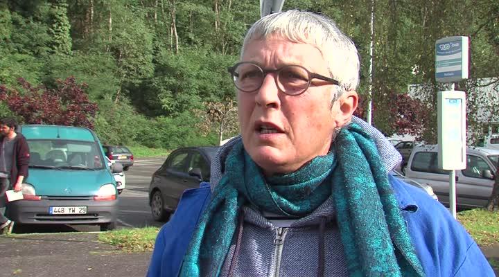 Thumbnail Les associations manifestent pour la survie des contrats aidés