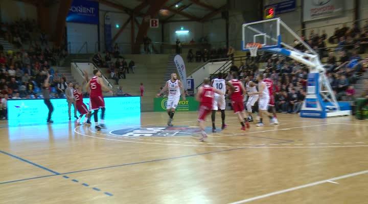 Thumbnail N1M : Victoire du Cep lorient Basket-ball (71-65) face à Souffelweyersheim