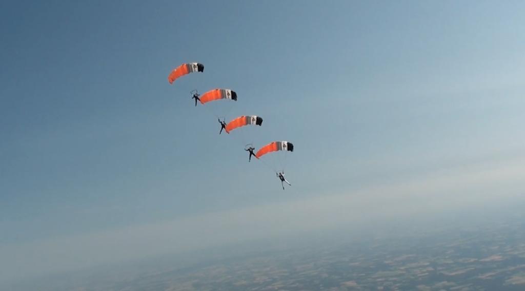 Thumbnail Coupe de France de parachutisme à Vannes
