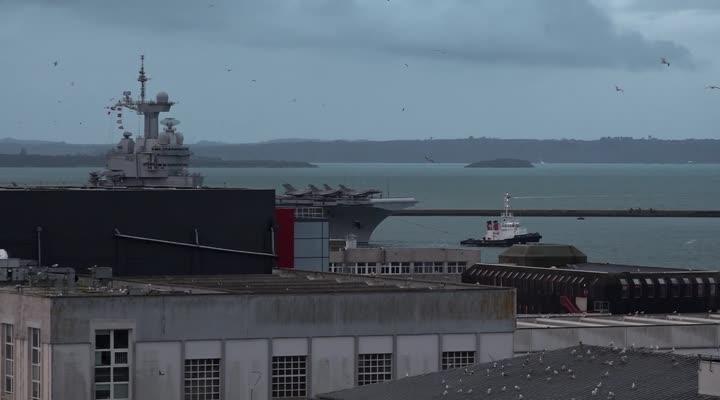 Thumbnail Arrivée Charles de Gaulle à Brest