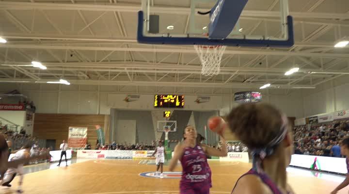Thumbnail Landerneau Bretagne Basket : Une première en fanfare