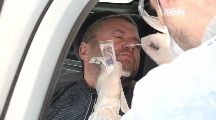 Thumbnail Tests de dépistage du coronavirus : la pénurie d'écouvillons guette