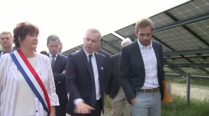 Thumbnail Un ministre pour la plus grande centrale photovoltaïque bretonne